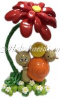 Большой цветок с улитками