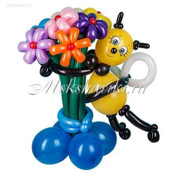 """Фигура из шаров """"Пчелка с цветами """""""
